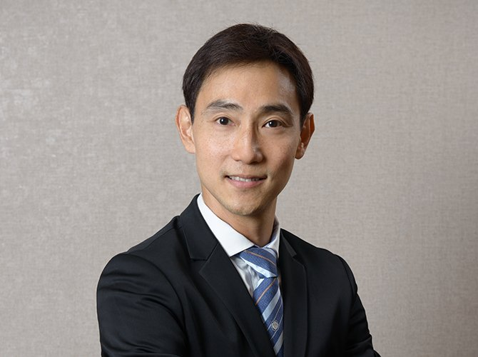 Dr Julian Theng