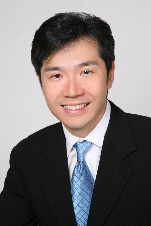 Dr Leonard Ang