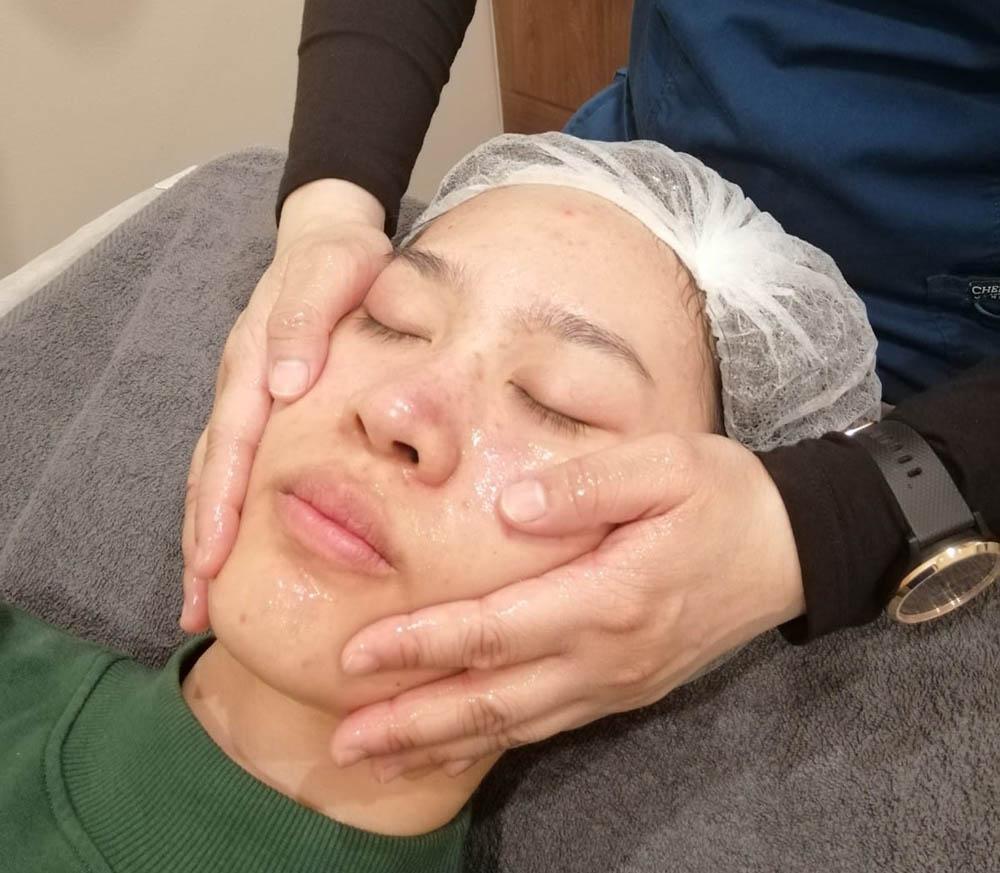 Loh Ling Ying HydroPeel Facial