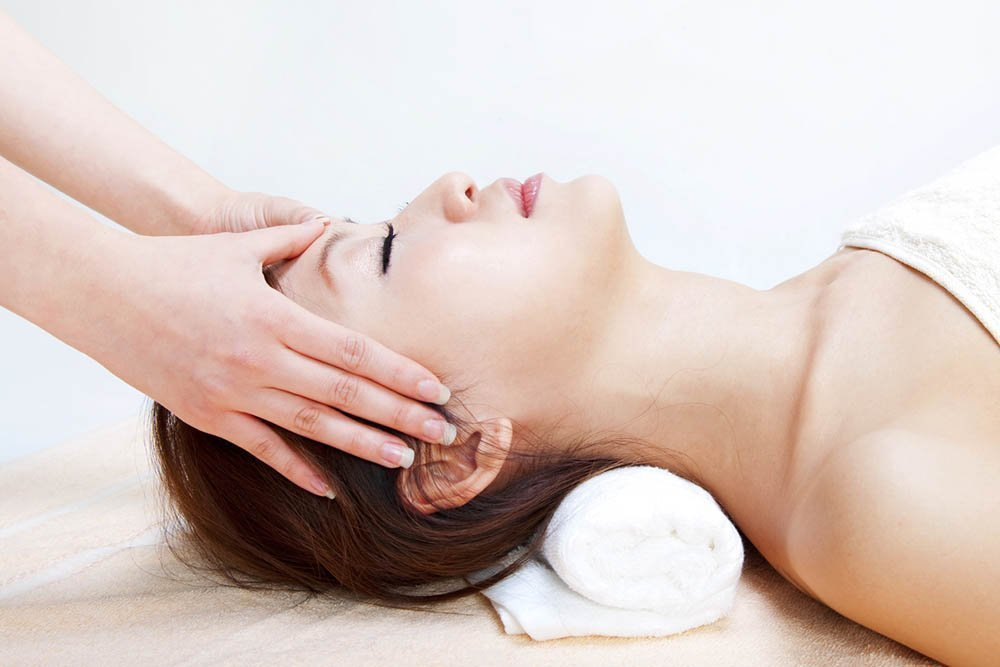 massage on head