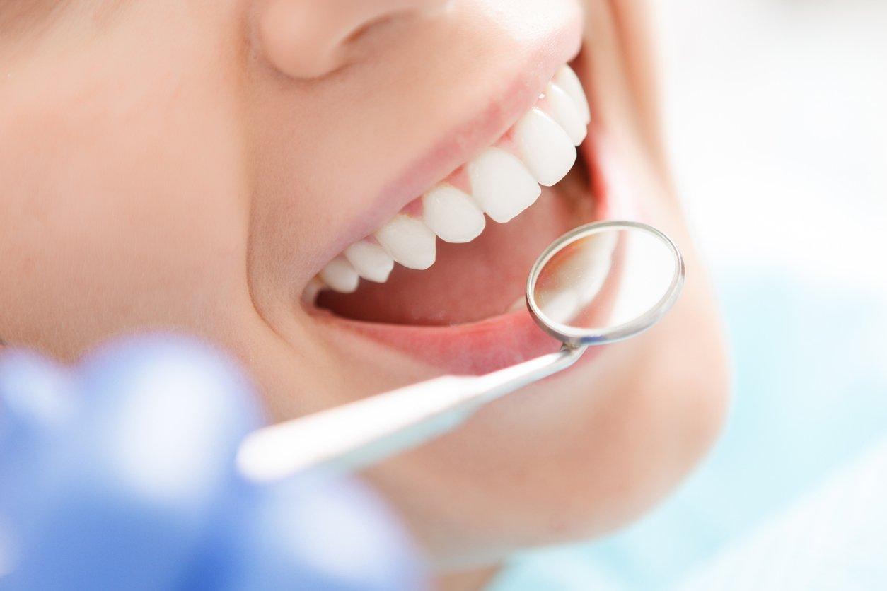 Close-up-dental-crown